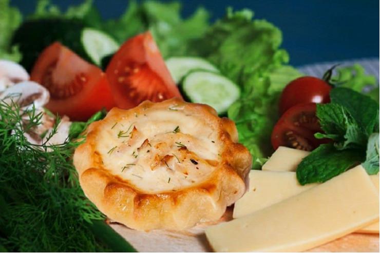 Перепечки с курицей и сыром